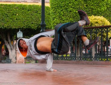 BreakDance (2 of 2)